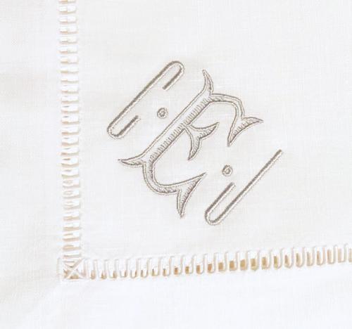 12-monogrammed-linen-dinner-napkins