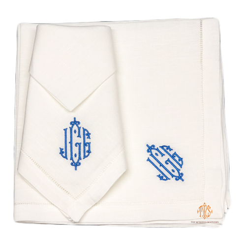 monogrammed-linen-dinner-napkins-the-monogram-studio