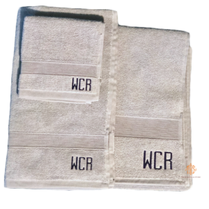 monogrammed-towels-for-graduation