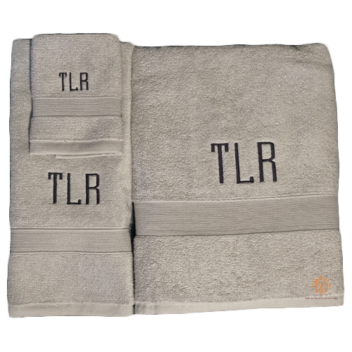 monogrammed-towels-for-college